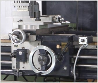 CONVENTIONAL / MANUAL LATHE | HL-630